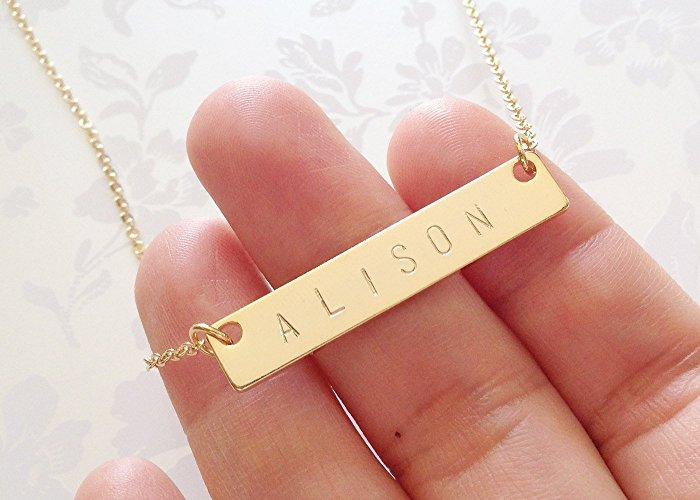 personalized-necklece-gifthelp